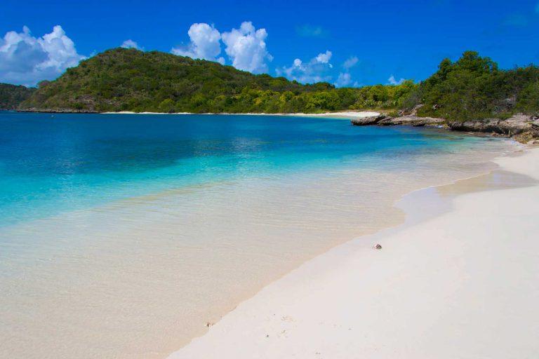Antigua-Green-Island